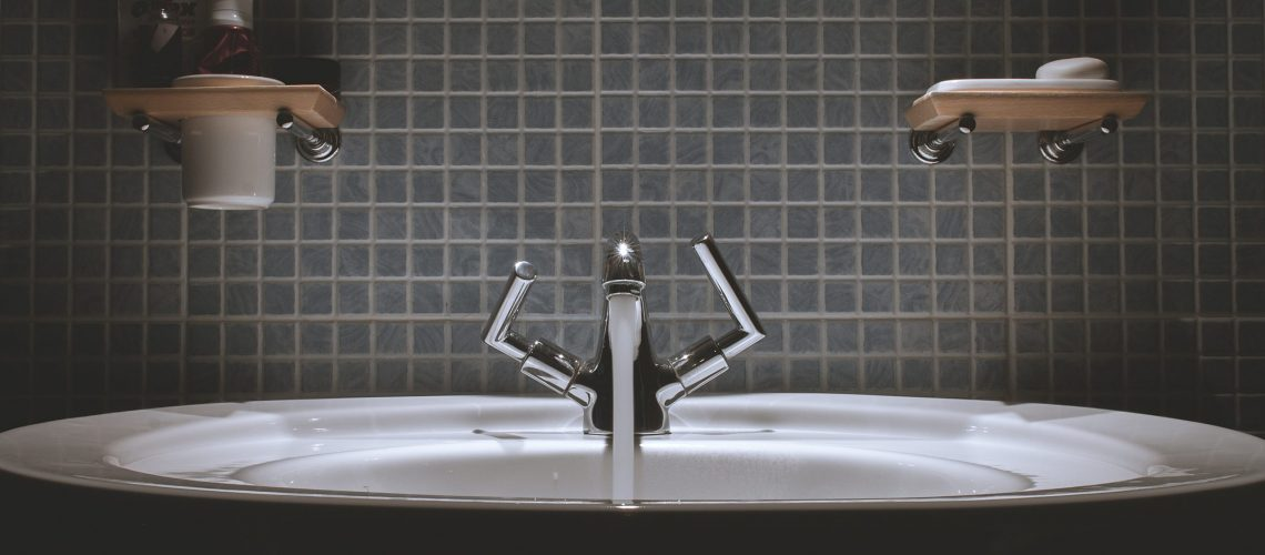 How to Clean Your Sink Drain Yourself